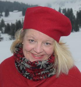 rote Kappe und Halssocke rot