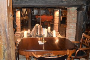 Ambiente und gutes Essen im Antik Hof in Bissee