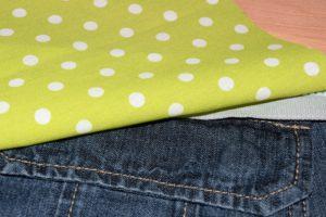 Innen-Jeans an eine Seite vom Reissverschluss annähen