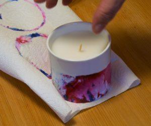 zum-trocknen-auf-eine-kuechenpapiertuch-stellen