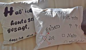 Liebesbotschaft auf dem Kissen